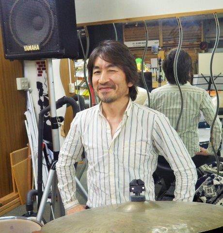 かないづかひでひろ(金井塚 秀洋) ドラム・パーカッション科担当